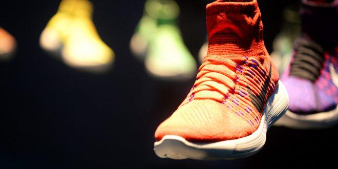 En løbesko der kombinerer mode og teknologi